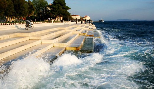 海の波と風で癒し系ハーモニーを奏でる巨大楽器「シーオルガン」