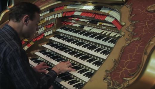 鍵盤何個あるんだよ笑!1台のパイプオルガンで演奏する超豪華なスターウォーズが凄すぎて話題に