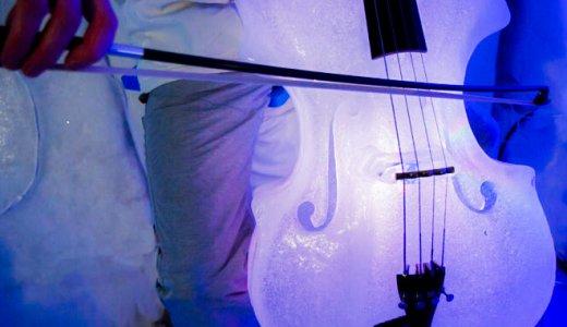 氷の楽器による幻想的な演奏会が美しい