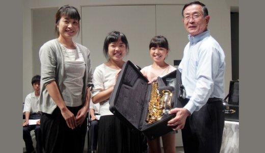 吹奏楽部へ楽器寄贈を続けるCoCo壱番屋創業者6億円突破